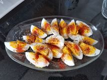 Huevos hervidos con la especia fotografía de archivo