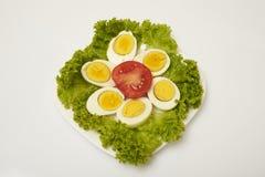 Huevos hervidos con las verduras Fotografía de archivo