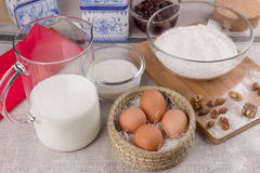 Huevos, leche, azúcar, harina Fotos de archivo libres de regalías