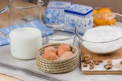 Huevos, leche, azúcar, harina Imágenes de archivo libres de regalías