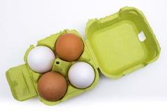 Huevos orgánicos de diversos colores foto de archivo