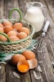 Huevos orgánicos frescos Imagen de archivo libre de regalías