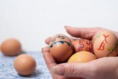 Huevos pintados a mano foto de archivo