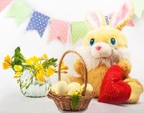 Huevos pintados para Pascua Aún lifes coloridos Imágenes de archivo libres de regalías