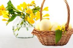 Huevos pintados para Pascua Aún lifes coloridos Fotografía de archivo