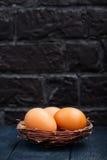 Huevos sin procesar del pollo Imágenes de archivo libres de regalías