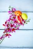 Huevos y flores Fotografía de archivo libre de regalías