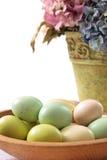 Huevos y Hydrangea de Pascua Imagen de archivo libre de regalías