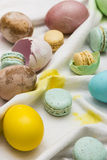 Huevos y macarons del este Fotografía de archivo