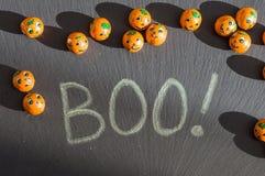 Huez ! Sucrerie de Jack-o-lanterne de Halloween avec des ombres Photos libres de droits