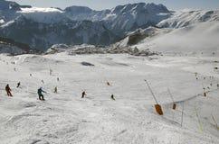 huezsemesterorten för alpe D france skidar Arkivbilder