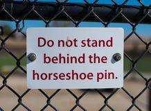 Hufeisen-Pin Warning Sign Stockfotos