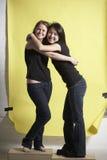 Hug dos amigos imagens de stock royalty free