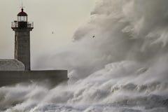 Free Huge Crashing Wave Royalty Free Stock Images - 138995119