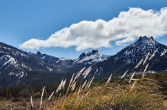 Huge mountains in the distance Royalty Free Stock Images