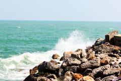 Huge waves crashing on the rocks Royalty Free Stock Images