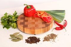hugga av grönsaker för bräde Fotografering för Bildbyråer