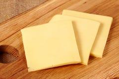 huggen av ost arkivbilder
