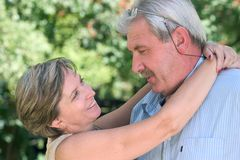 hugging man woman στοκ εικόνες