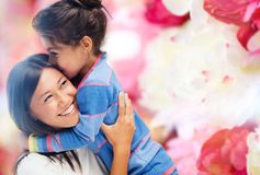 Hugging mother and daughter Royalty Free Stock Photography