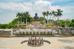 Hugh Buddha staty i landskap för Buddha för åtta Trigramberg Fotografering för Bildbyråer