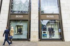 Hugo Boss przechuje w Dusseldorf, Niemcy Obrazy Royalty Free