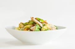 Huhn-Caesar-Salat Lizenzfreies Stockfoto