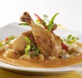 Huhn in der Paprika-Sahnesoße Lizenzfreies Stockfoto