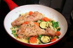 Huhn mit Gemüse Stockbilder