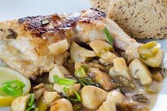 Huhn mit Pilzen Lizenzfreies Stockfoto