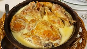 Huhn mit Soße, Tiflis, Georgia lizenzfreies stockfoto