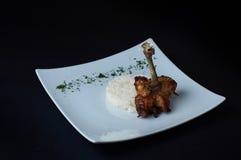Huhn Pirzola mit Reis Ein einfacher und geschmackvoller Teller Lizenzfreie Stockbilder