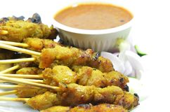 Huhn Satay mit Erdnusssoße Stockfotos