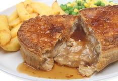 Huhn-Torte u. Chips Lizenzfreie Stockbilder