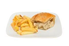 Huhn-Torte und Chips Lizenzfreies Stockfoto