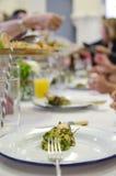 Huhn-wirh Salsa verde gedient Lizenzfreies Stockfoto