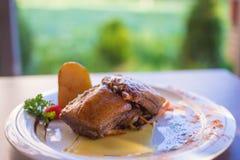 Huhnfleisch gedientes tradicional im Restaurant Stockfoto