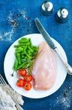 Huhnverkleidung mit Gemüse Stockfoto