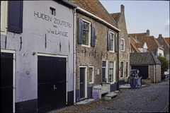 Huidenzouterij em Westerwalstraat em Elburg fortificado Foto de Stock