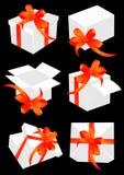 Huidige dozen met rode boog Stock Afbeeldingen