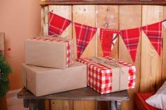 Huidige dozen onder spar Stock Afbeelding