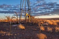 Huile abandonnée Jack Pump Photographie stock libre de droits