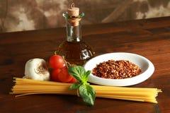 Huile d'olive d'ail de pâtes et poivre de /poivron rouge Photos libres de droits