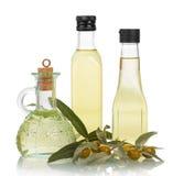 Huile d'olive dans des bouteilles Photos libres de droits