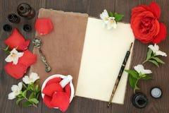 Huile essentielle de Rose et de fleur orange Photographie stock libre de droits
