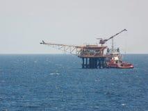 Huile et industrie du gaz de soutien de bateau d'approvisionnement Cargaison de transfert de bateau d'approvisionnement cargaison image stock