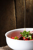 Huile et salade d'olive Photo stock