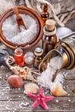 Huiles essentielles et sel de bain image stock