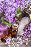 Huiles essentielles et sel de bain images stock