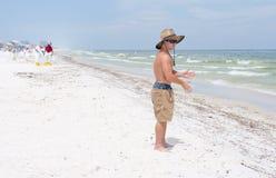 Huilez les lavages à terre en plage de Pensacola Photographie stock libre de droits